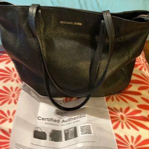Micheal Kors Black Leather Shoulder bag